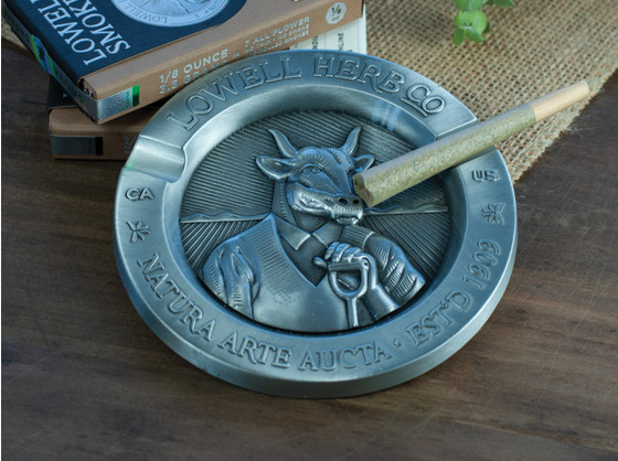 "Lowell Ashtray 3.5"" product shot"